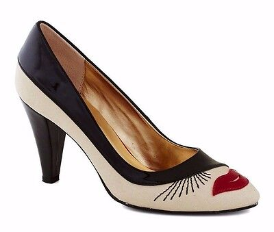 e862a38d68cec3 SEYCHELLES SHOES TELL Me A Story Face Pumps 7 Embroidered Heels Rare ...