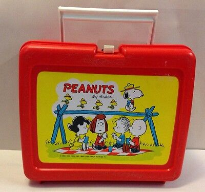 Vintage Thermos Vinyl Red PEANUTS SNOOPY Lunchbox Charlie Brown Schulz  USA