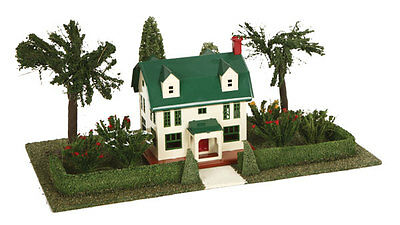 MTH Electric Trains Lionel Corp. #912 Suburban Home Plot w/No. 189 Villa & Light