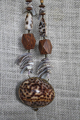 VTG Tiger Cowrie Sea Shell & Wood Brass Bead  Necklace Pendant Trinket Box