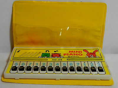 ECHO VTG 80's MINI PIANO IN VINYL CASE TAIWAN MADE WORKS - NEEDS NEW BATTERIES