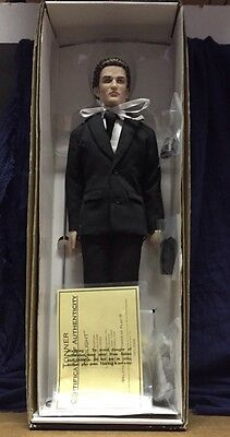 Tonner Twilight Edward Cullen Amazon Exclusive 2009 NRFB Complete