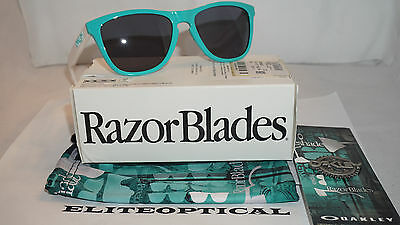 New Authentic Oakley Heritage Collection Frogskins Seafoam/Gray 24-417