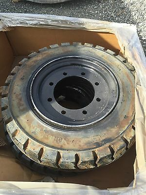 7.50-15 Solid Forklift Tire on wheel. solid.