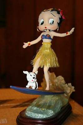 Betty Boop Surfer (out of box)