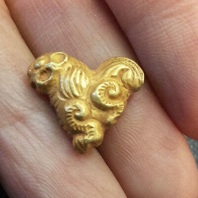 Interesting Antique Solid 22-24K Gold Bead Lucky Royal Chinese Dog Spiral Hair