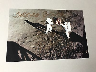 DOLORES BLACK   'made the Apollo 11 flag' signed Foto 10x15  Autogramm