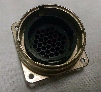 Amp Tyco CPC 208471-1 37 pin Male Panel Mount Connector