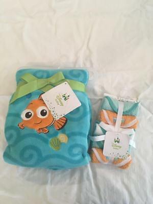 New! Disney Baby Finding Nemo Hooded Towel and 5-Pack Washcloths Layette Set
