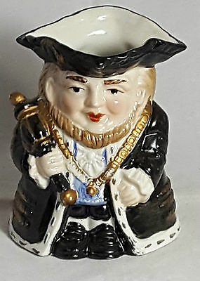 Beautiful Vintage  Toby Jug by Leonardo Collection. Height: 12 cm