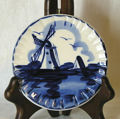 """Blue & White Dutch Windmill Scene 4 1/8"""" Wall Plate< Hand Painted >Nicely Done"""