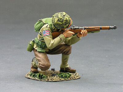 King and (&) Country DD083 - Kneeling Firing Rifleman - Retired