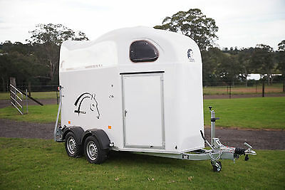 Gold Ii – White With Tack Room And Pullman 2 Suspension