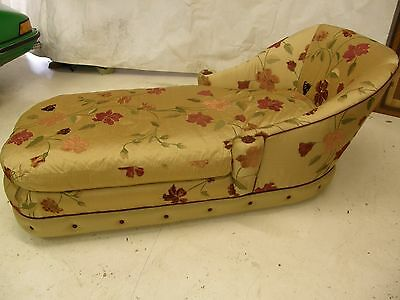 Antique chaise longue / day bed