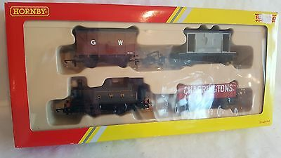 Hornby R2670 Railroad train pack GWR loco & 3 wagons mint boxed