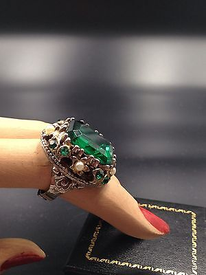 Vintage Cocktail Ring Green Emerald CLR Crystal Czech CZECHOSLOVAKIA ADJUSTABLE