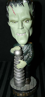 """Frankenstein"" Bobblehead (Out of Box) (Tiny Chip)"