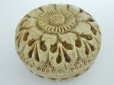 Beautifully Hand Carved Flower Design Vintage Soapstone Jewellery Trinket Box