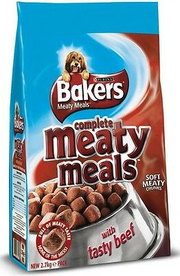 Bakers Complete Adult Dog Food Meaty Meals Beef 2.7kg | Tender Meaty Chunks