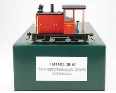 Bachmann On30 Spectrum 28163 DCC 0-4-0 Gas Little River Logging loco in red