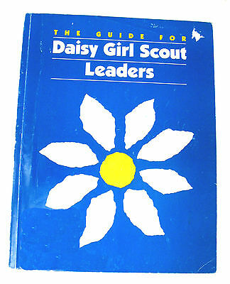 DAISY GIRL SCOUT LEADER GUIDE Unused 1993 Book Plan a Year Combine Ship