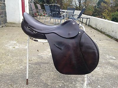 "Cliff Barnsby G/P  17"" brown English leather saddle narrow fit"