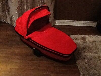 quinny buzz /moodd Red Revolution Collapsible Carrycot For Pushchair