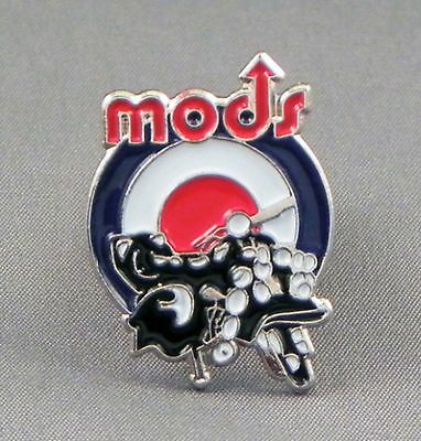 Mods Scooter With Uk Mod Target Pin Badge