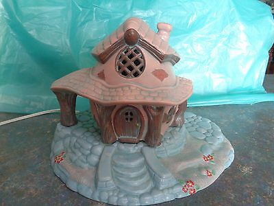 Vintage night light, ceramic cottage, working condition