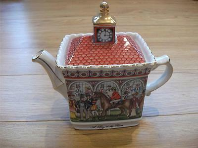 "Sadler ""a Day At The Races"" Teapot"
