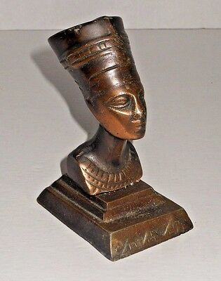 Egyptian Queen Nefertiti Figural Bust w/ Base Showing 3 Pyramids  (3 of 3)