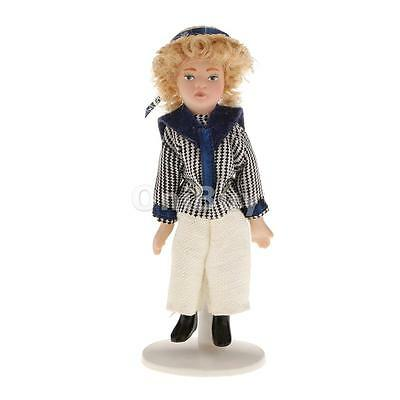 Dolls House Miniature 1:12 Echelle w / Stand moderne Poseable Boy In Shirt