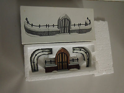 Dept 56 Churchyard Gate and Fence 5806-8