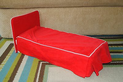 Retired American Girl Pleasant Company Molly Doll Red Bed