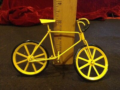 Yellow Racing Bike  Bicycle Model Ornament Small Scale