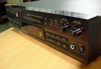 Pioneer CDR 555 compact disc recorder and player