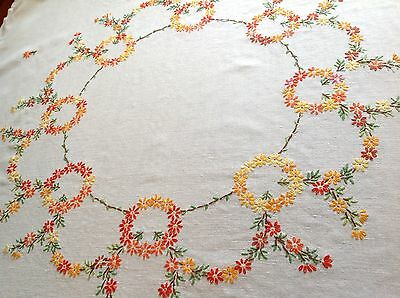 """Vintage Hand Embroidered Off White Linen """" Circles Of Flowers """" Table Cloth"""