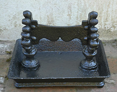 ANTIQUE  REGENCY HEAVY CAST IRON LARGE BOOT SCRAPER - Early 19th century