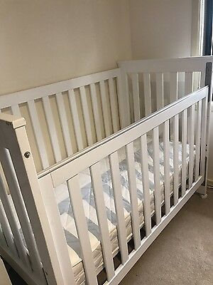 baby cot 3 in 1 ** like new**