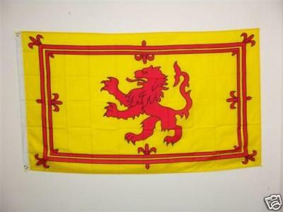 "Scottish Flag ""Rampant Lion"" with 2 brass eyelets - 5ft x 3ft"