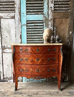 Lovely, vintage French bombe chest of drawers with marble top