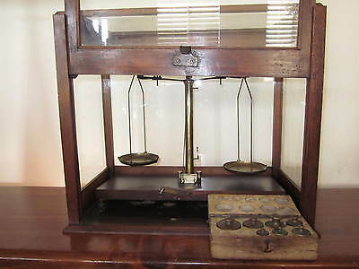 Antique Balance Beam Scale, Jeweler, Apothecary HL Becker Fils & Co W/ weights