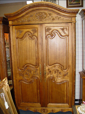 WALTER E SMITHE COUNTRY FRENCH STYLE ARMOIRE with 6 drawers.