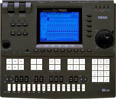 (USED) YAMAHA QY700 Workstation Sequencer MIDI QY-700 GoodCondition
