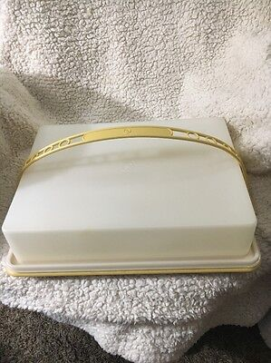TUPPERWARE 9x13 FROSTED RECTANGLE CAKE CUPCAKE TAKER #623,622 GOLD HANDLE #624