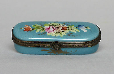 ANTIQUE FRENCH PORCELAIN JEWELRY / PILL BOX from the late 1800s