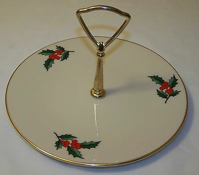 PICKARD HOLLY ROUND SERVING PLATE with CENTER HANDLE GOLD TRIM