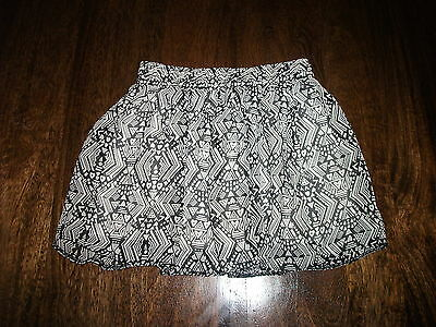 Girls Children Black & White Chiffon Style Short Party Skirt Age 3-4 Years BNWOT