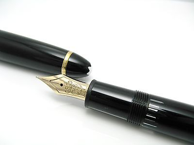 Montblanc 146 Meisterstuck Fountain Pen Nib Gold 14K F Grade Box And Paper