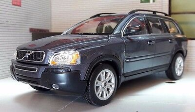 Volvo XC90 ES SE T6 D5 AWD Met Grey 2003 V Detailed Welly 22460 Diecast Model
